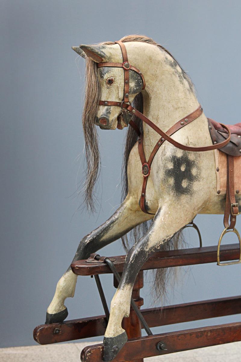 Звезда нашего стенда, английская лошадка-качалка Жозеф