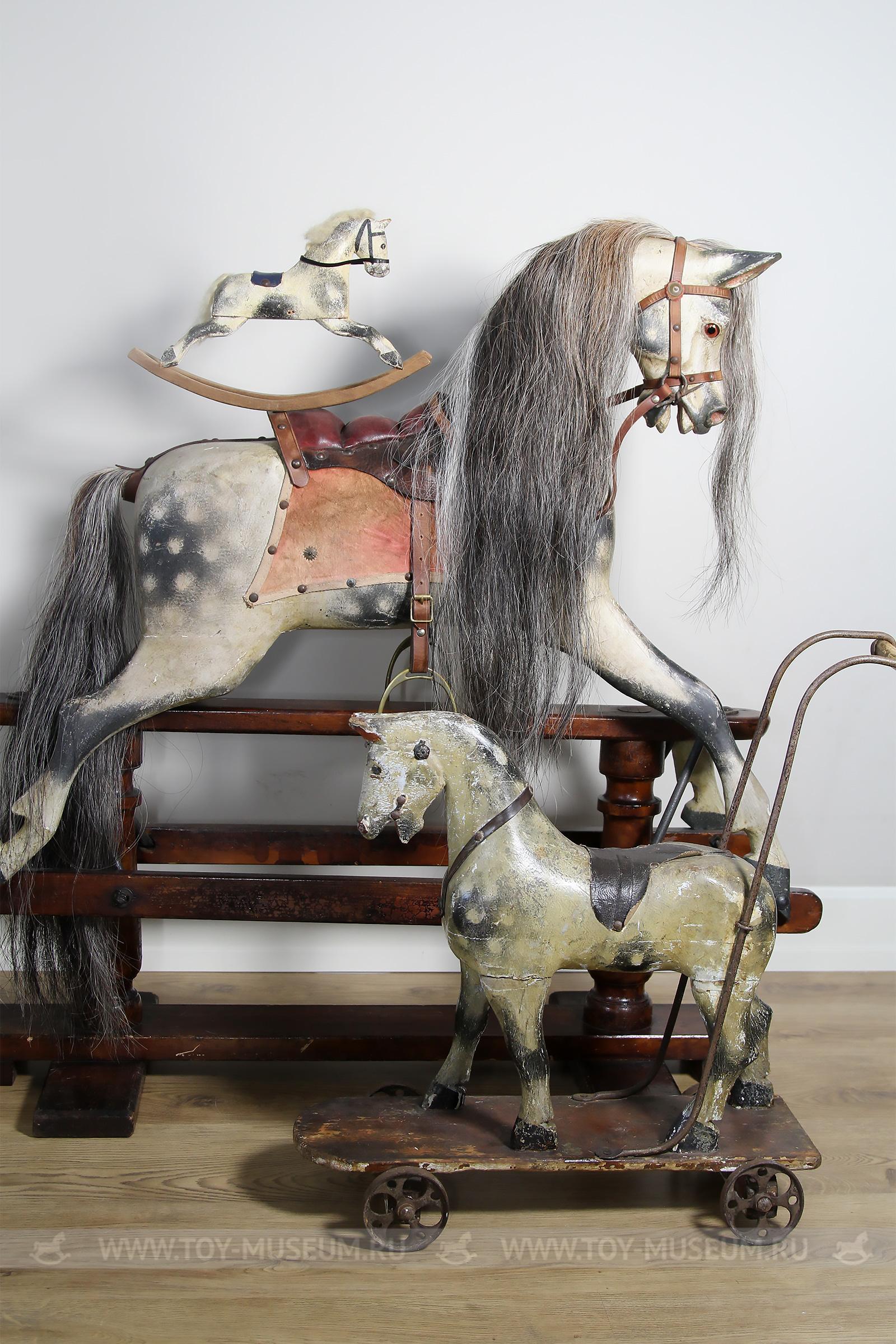 Английские антикварные лошадки